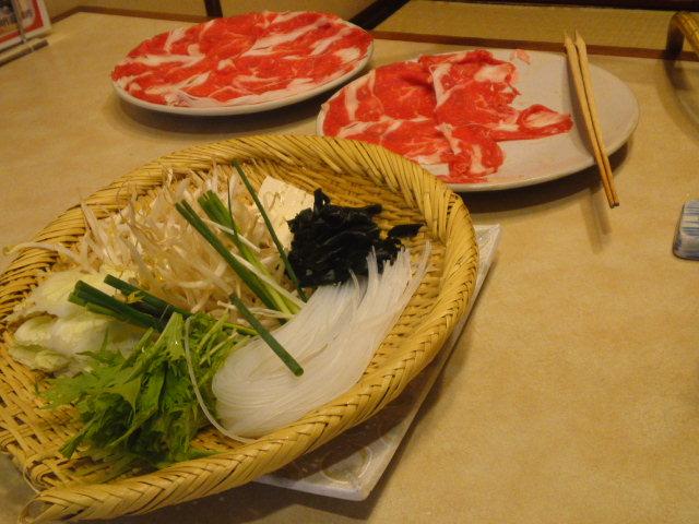 写真はお肉と野菜盛りです。