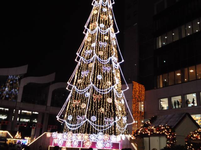 クリスマスに先駆けてのイルミネーションやイベントが開催