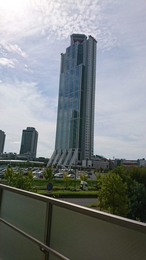 大阪南港ATC(アジア太平洋トレードセンター)ビルです。