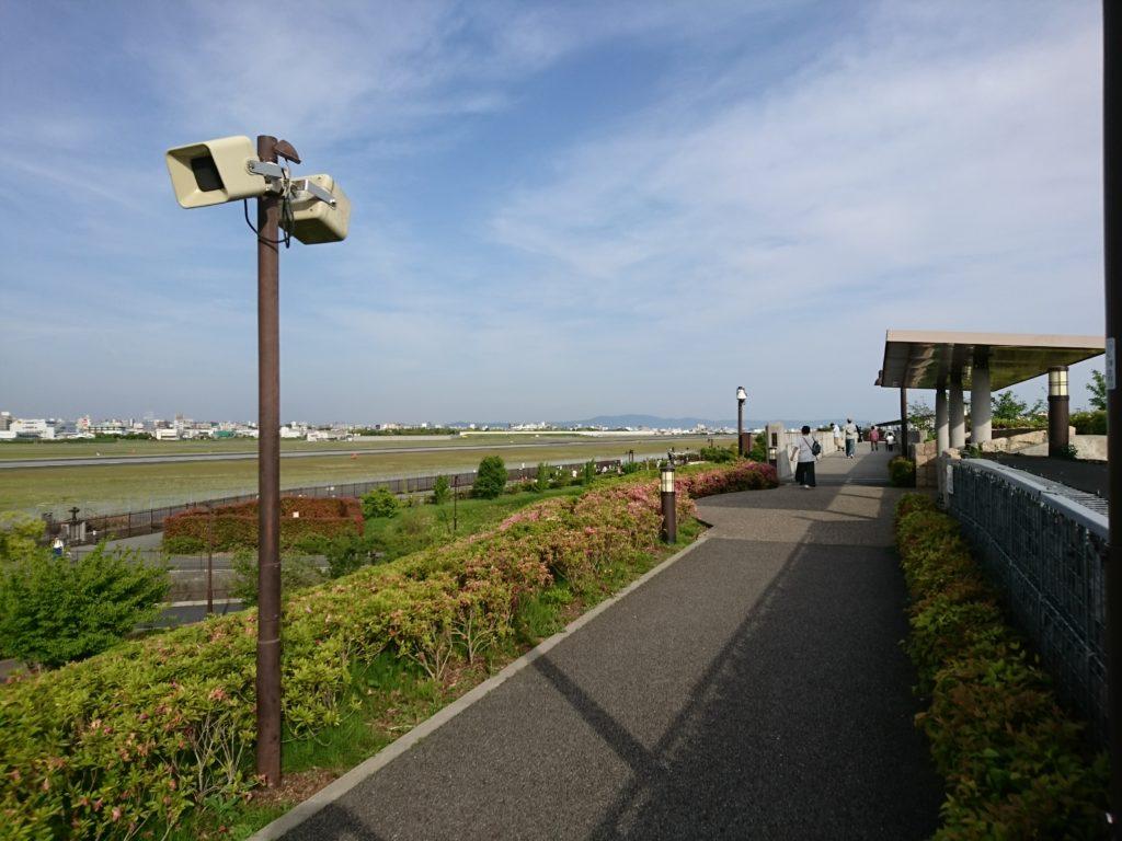 南ターミナル付近。ここからも飛行機はよく見えますよ!